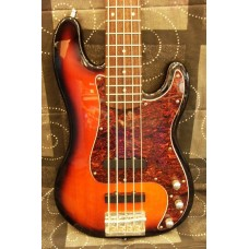 Squier Fender Precision Bass 5-String
